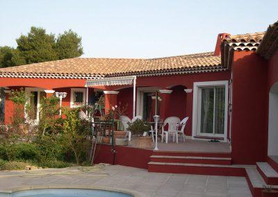Façade d'une villa individuelle à Saint Mitre les Remparts