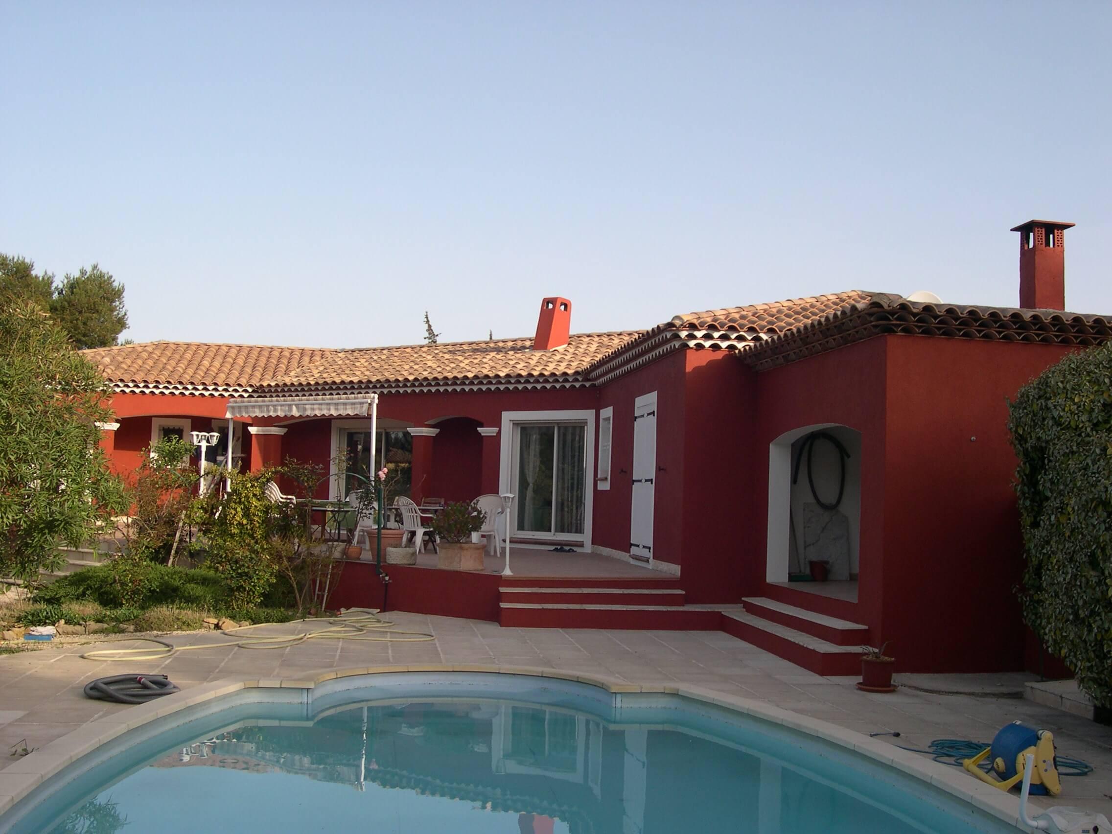 Fa ade d 39 une villa individuelle saint mitre les remparts for Villa individuelle